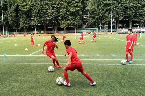 淄博临淄足球少年德国科隆研学旅行提升足球技能
