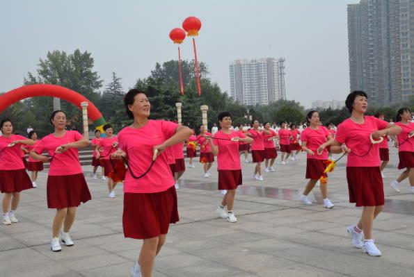 沂水县第六届老年文体艺术节盛大开幕