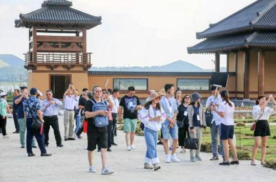 首届全球孔子学院山东文化旅游推广峰会嘉宾参访曲阜尼山圣境