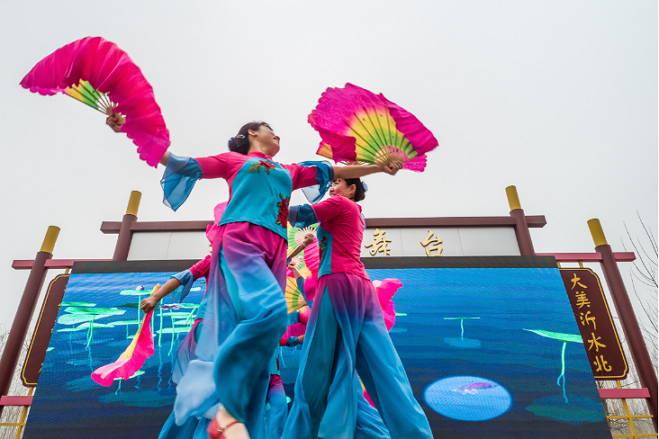 高桥大集上热闹啦—新春秧歌会来了!